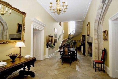 للسكن الراقي شقة للبيع بكمبوند الدبلوماسين 340م 3نوم 3حمام 4ريسب