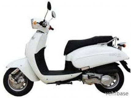صور Ward Germany 150cc scooter new condition using only 400 km  2