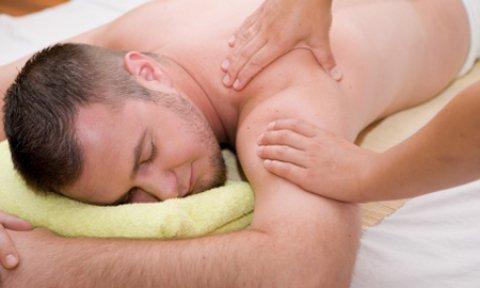 بيدين ساحرتين نعرف كيف نزيل آلام العضلات بالمساج 01013839037