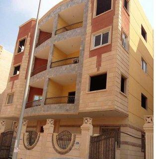 للاجار بمدينة الشروق شقة 220م