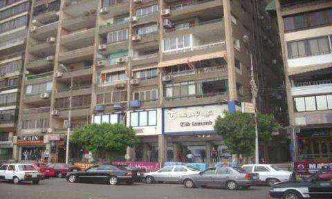 شقه من المالك بمصر الجديده 240م 4 غرف متشطبه بشارع الميريلاند