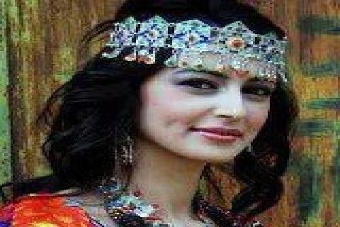 مغربية ابلغ29سنة ساكنة بمصر محتجبة من اسرة محافظة