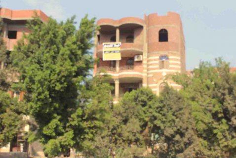 >**منزل علي مساحة 300 متر بالقناطرالخيرية بين القناطر وقليوب لل
