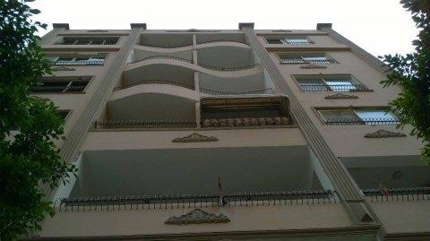 بأرقي أحياء مدينة نصر شقة 210 م بحرية للبيع بعمارة جديدة