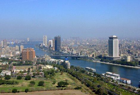 للشركات والسكن العائلي الراقي شقة 400 م للبيع تطل علي النيل بجوا