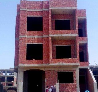 شقه للبيع بعمارة السعودية بالحي الثامن مدينة العبور مساحة 105م