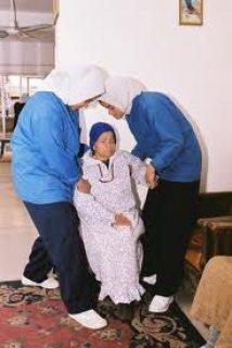 نحن نرعى المسنين بمنازلهم بأيدى أمينة ومتخصصة 01223333060