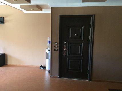 شقة للايجار بالبنفسج عمارات بالقرب من شارع ال90 مساحه 150م متشطب
