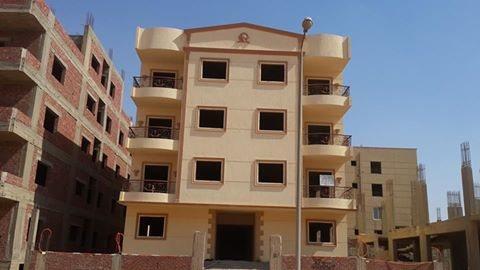 للبيع شقة 210 متر بمدينة الشروق نصف تشطيب