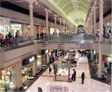 محلات للبيع مساحات مختلفة و باستثمار و بالتقسيط