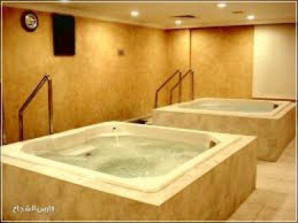 فى احدث غرفة بخارٍِ]حمام مغربى وتكييس وتعطير الجسم وماسك للوجه