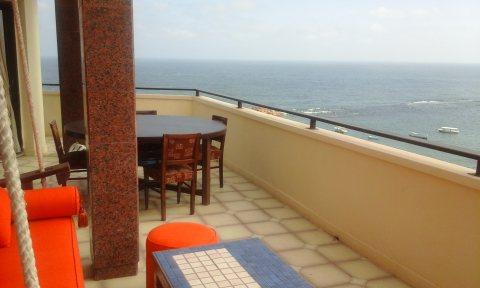 شقة فاخرة بميامى على البحر مباشرة فيو رائع 311م