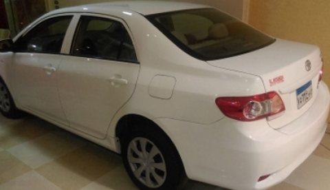 سيارة toyota corolla 2013