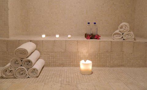 فى احدث غرفة بخارٍِ,,'حمام مغربى وتكييس وتعطير الجسم وماسك للوجه