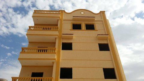 شقق اكتوبر شقة 165 متر استلام فوري بالتقسيط 01005262020