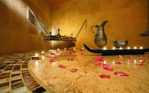 Aroma Massage..... sessions   .,..,., 01005850372