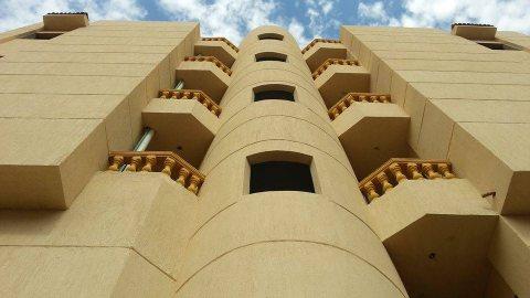 شقة باكتوبر رووف 200م دور كامل بحريه بالتقسيط على 30 شهر