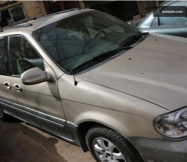 سيارة كیا كرنفال موديل 2004