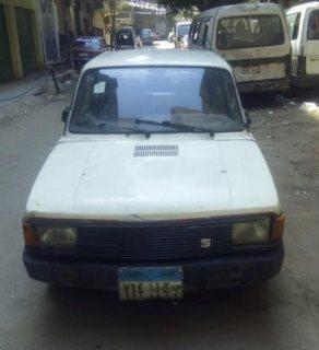 سيارة سوبر فيورا موديل 1987