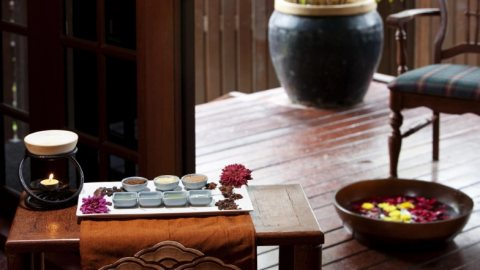 Aroma Massage   ..  . . . sessions    01005850372