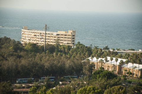 شقة للبيع بالمنتزة  بأبراج رويال بلازا 155 متر