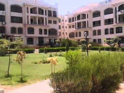شقه137مبالتجمع الخامس بزيزنيا  بجوار الجامعه الامريكيه فيو حديقه