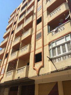 شقة غرفة + صالة باجمل الشواطىء العجمى بمقدم 10000 وقسط شهرى 500ج