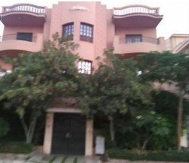 شقة راقية للايجار بالتجمع الجامس  بفيلات جنوب الاكاديمية