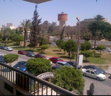 شقة بشارع الميرغنى الرئيسى