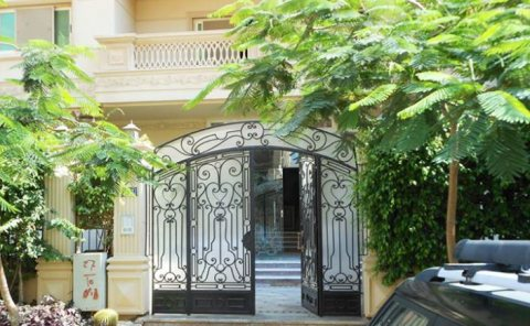 شقة للبيع بالنرجس فيلات قريبة جدا من التسعين ، مساحة 240م