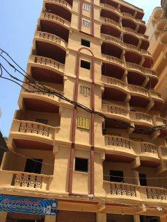 شقة اقل من 100م للبحر ادفع 15000(غرفةوصالة)25000(غرفتين وصالة)
