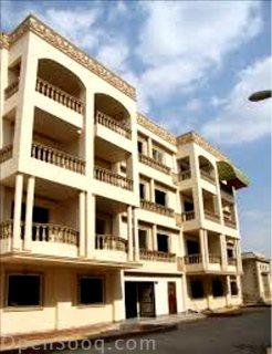 شقق للبيع و محلات علي كورنيش النيل خلف البنك الاهلي والبنك البري