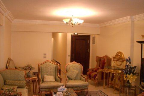 شقة للبيع مساحة 80 متر فى شارع الدقهلية