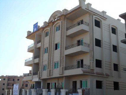 شقه للبيع واجهه ع شارع في الشيخ زايد بالتقسيط وبمقدم 35%واستلام