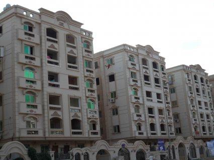 شقه 130متر للبيع في الشيخ زايد بالتقسيط واستلام فوري .
