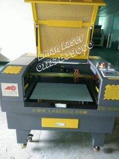 ماكينات الليزر للحفر والقطع للخامات الغير معدنية 01117839000