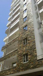 شقة رائعة بكفر عبدة مساحتها 200م تشطيب الترا لوكس رخصة بناء