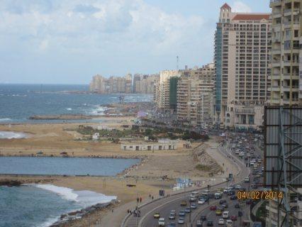 شقة بجليم على البحر برج جديد تشطيب هاى لوكس مساحتها 210م