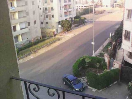 شقة للإيجار مفروش 6 أكتوبر بالقرب من الحصري
