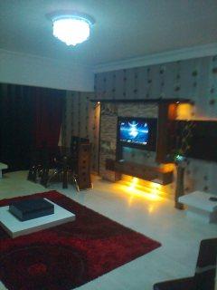 شقة مفروشة فاخرة بمكرم عبيد للايجار 500ج لليوم