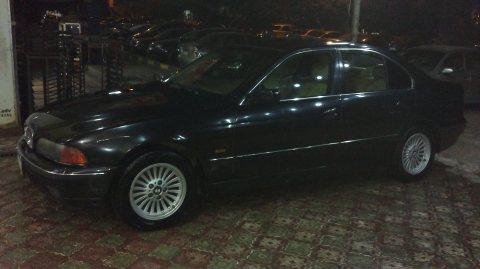 BMW520i فابريكة مو 2001