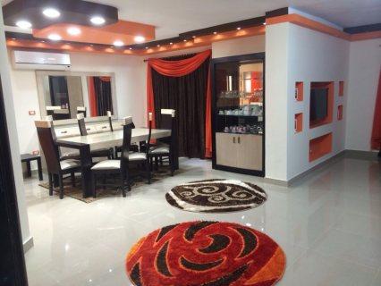 شقة مفروشة للايجار فاخرة بحي السفارات 700ج لليوم فقط