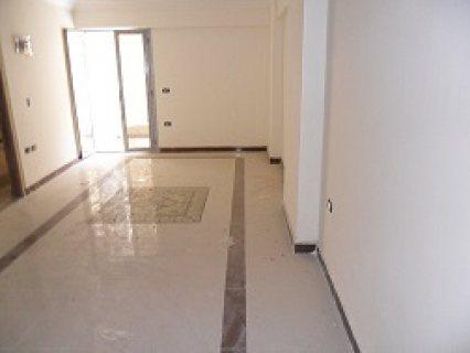 شقة للبيع 205 م بسبورتنج علي الترام بتسهيلات في السداد