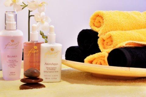خدمات فندقية غرف مكيفة وجميع فنون المساج العصرية 01276688097/:/