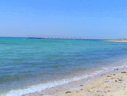شاليه 85 متر على بفيو للبحر وعلى حمامات السباحه