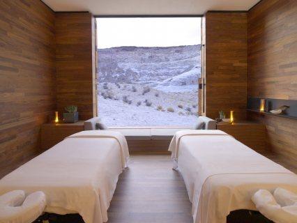 Professinal Massage& SPA &01279076580***