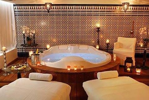 Massage & Morrocan Bath (( Pro. Masseuses )) 01094906615((