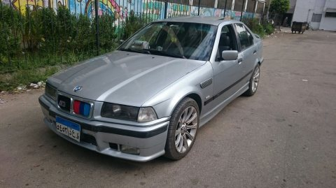 للبيع سييارة BMW 316i موديل 1997