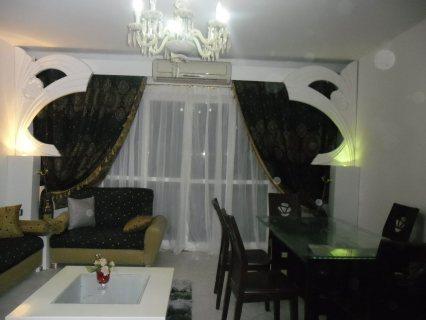 شقة للايجار مفروشة امام سيتي ستارز 500ج اليوم فقط