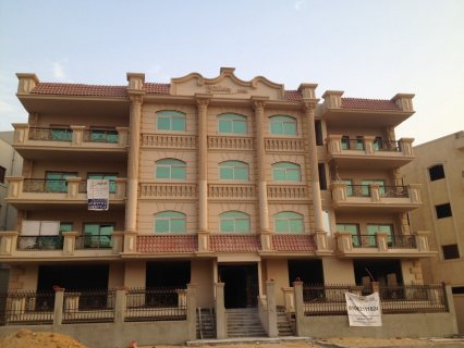 شقة للبيع 239م بالشيخ زايد امام بيفرلى هيلز